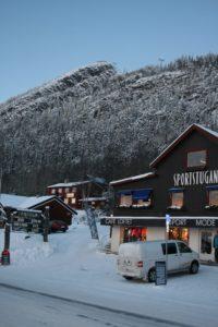 Sentrum Bruksvallarna. I samme bygning finner du café, sports- og motebutikk. Foto: Turrenn.net.